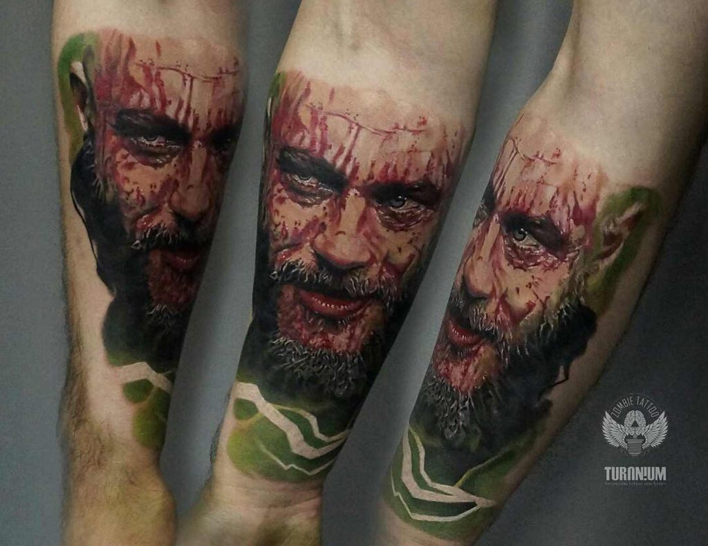 tatuaje ragnar vikings a color